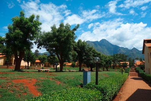 01-Tansania-Campus.jpg