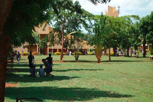 02-Tansania-Campus.jpg