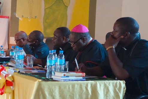 13-Tansania-Bishops-desk.jpg